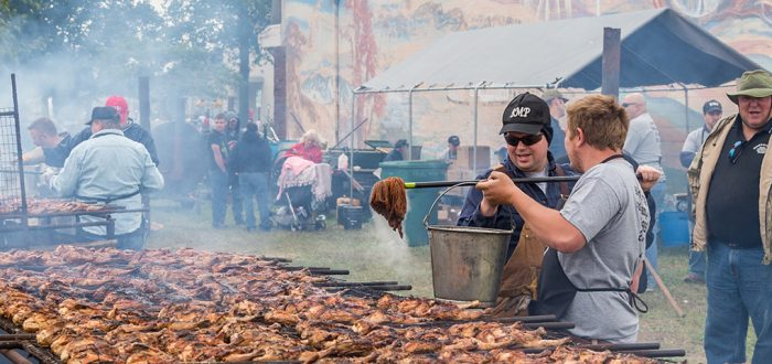 Mass-barbecuing chicken at BBQFest 2016